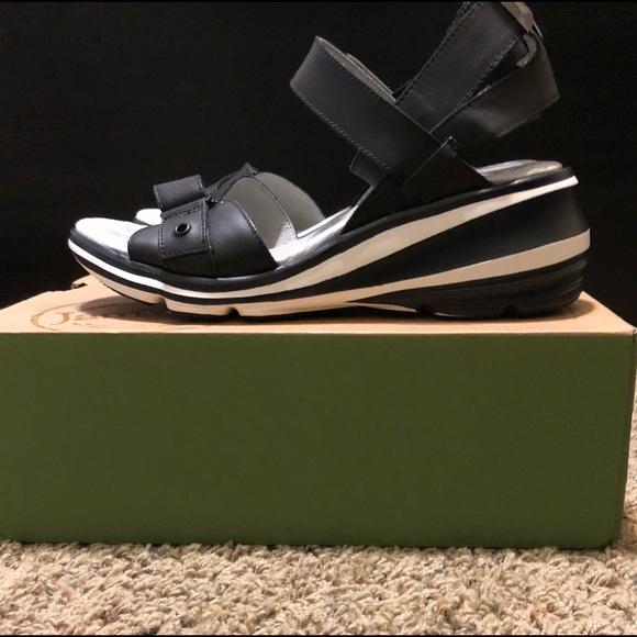 330482eee6d Jambu Coast casual sneaker sandal size 9